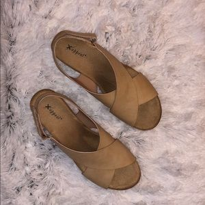 Xappeal beige/tan and cork wedge shoes